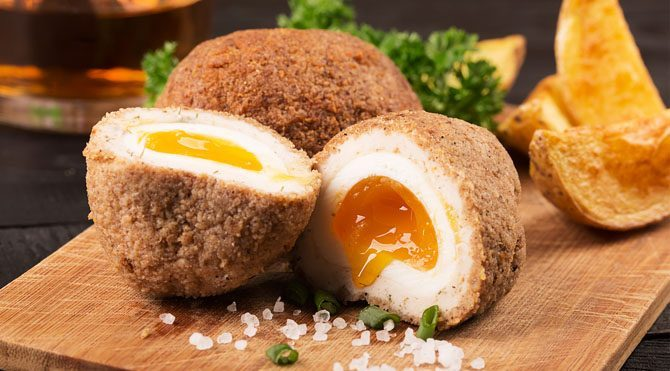 1 orta boy yumurta 5.5 gram protein içeriyor ve bu miktar günlük protein ihtiyacının yüzde 11'ini karşılıyor.