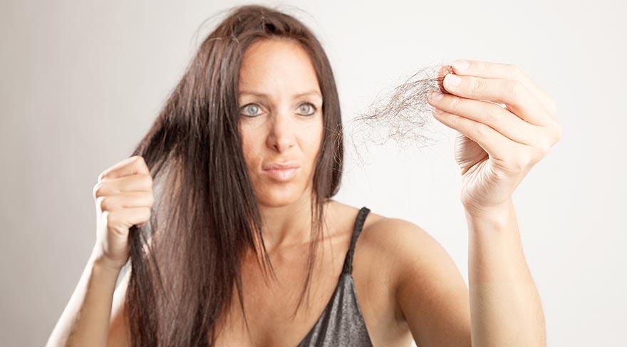 Hanımlar dikkat! Demir eksikliği saç döküyor