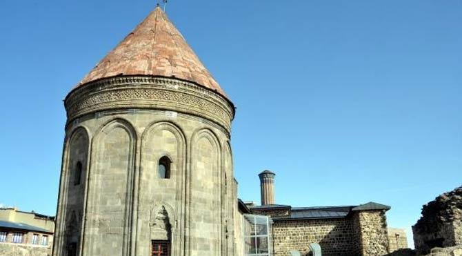 Tarihi Medreseye tartışma yaratan restorasyon