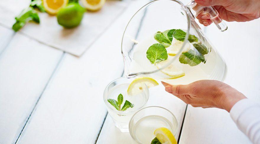 Limonlu su yaşlanmaya karşı çok etkili