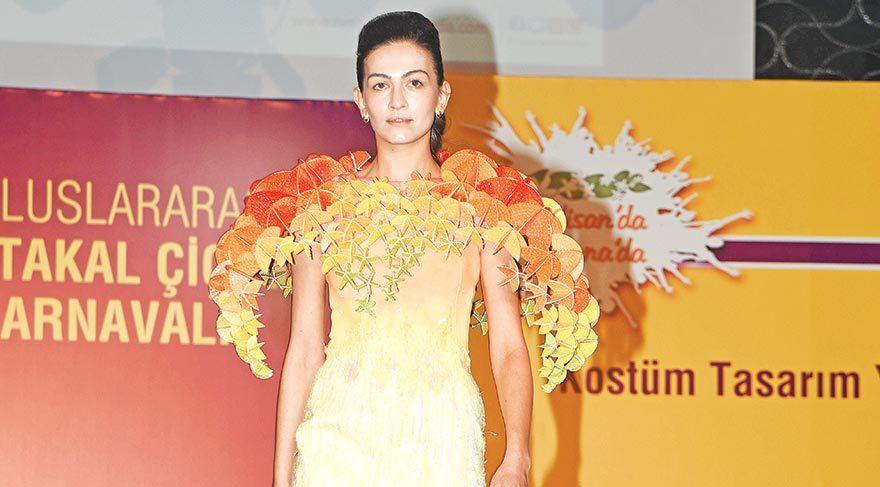 Portakal çiçeklerinin ana tema olduğu 10 tasarım arasından birinciliği Büşra Çeltikçi kazandı.