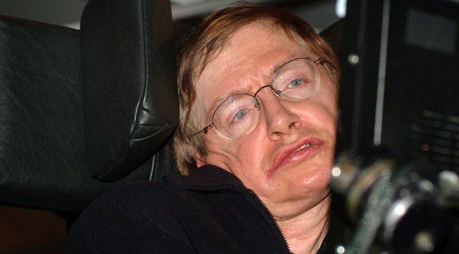 Hawking: Uzaylılar Dünya'yı istila edebilir