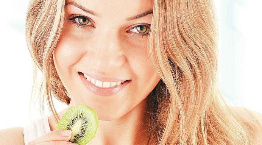 Meyvenin keyfine varın, cildinizi parlatın!