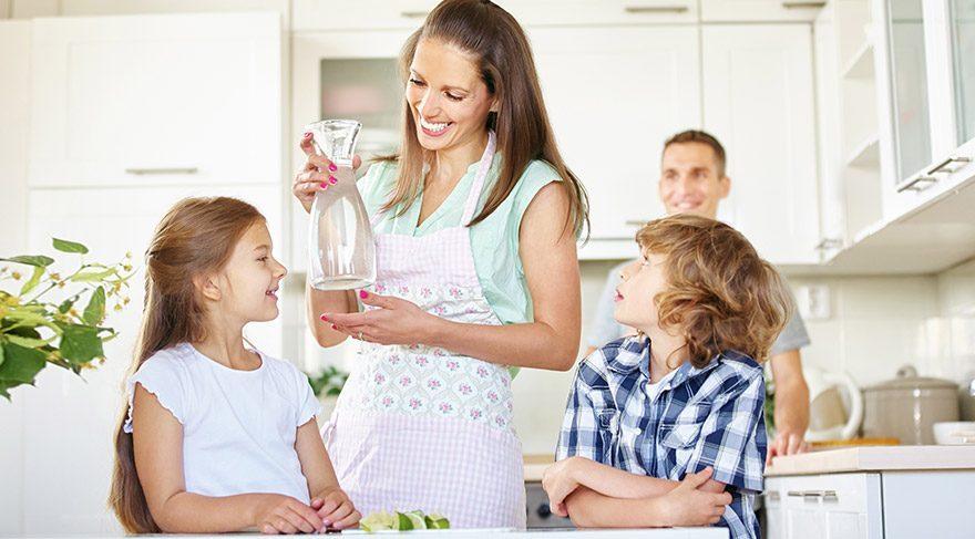 Çocuklar önerilenden yüzde 45 daha az sıvı tüketiyor