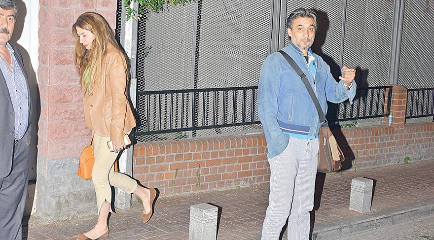 Emin Boztepe Arnavutköy'de arkadaşıyla yürüyüş yaptı.