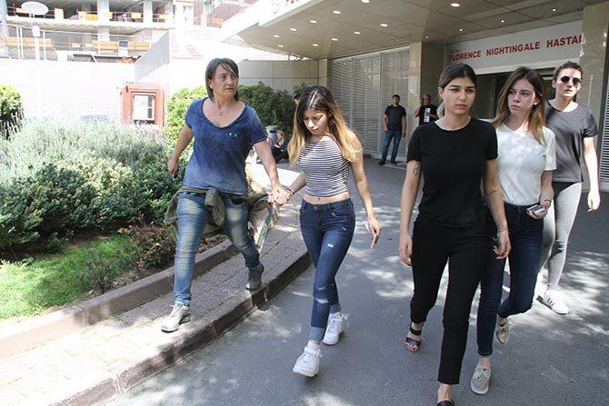 Kızları LARA ve LİDYA