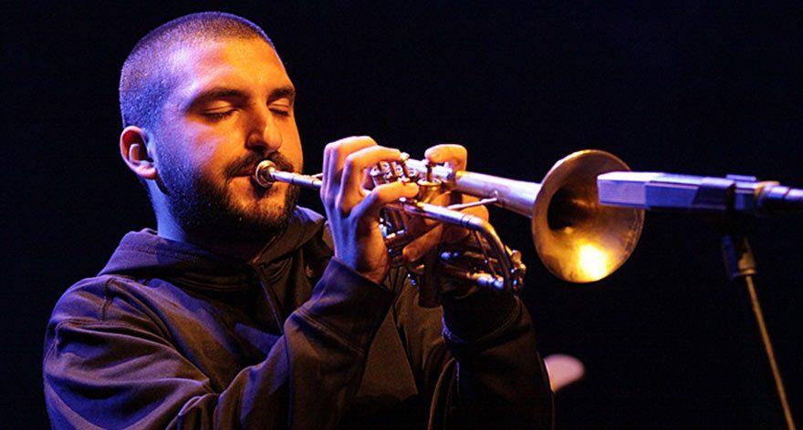 Trompet ustasından müthiş performans