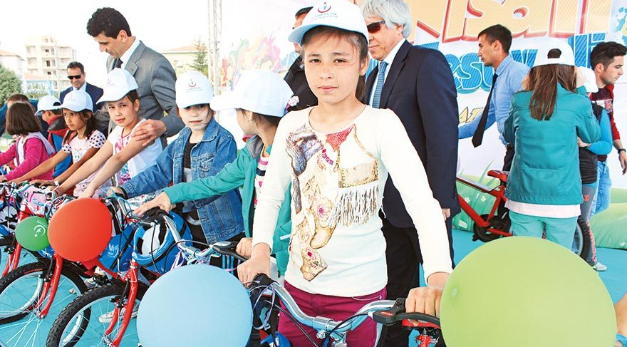 Minikler bisikletlerine kavuştu