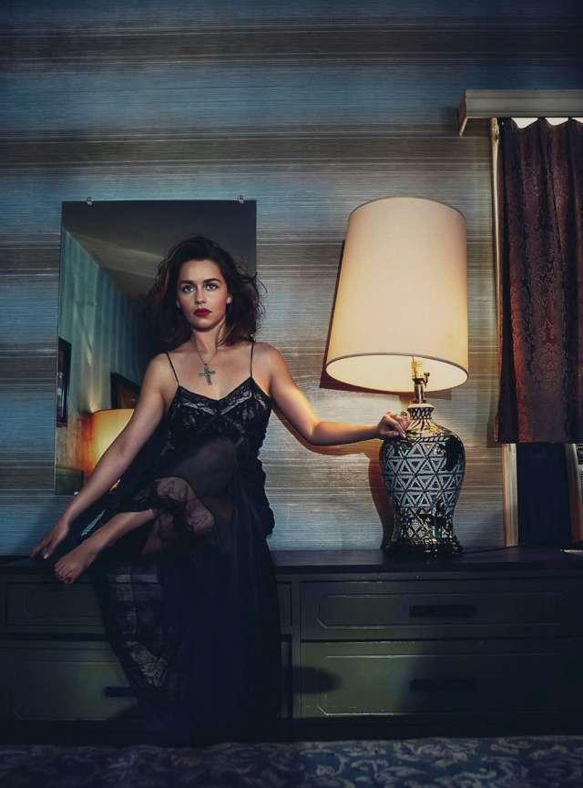 Vogue Avustralya - Emilia-Clarke