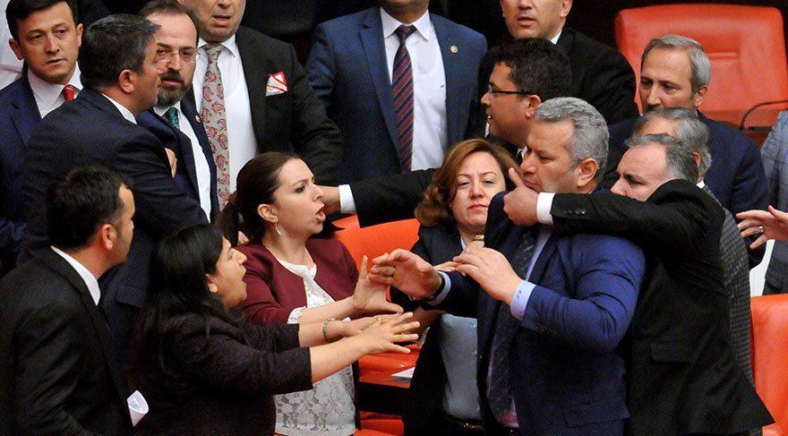 AKP'li vekiller mecliste HDP vekillerine saldırdı