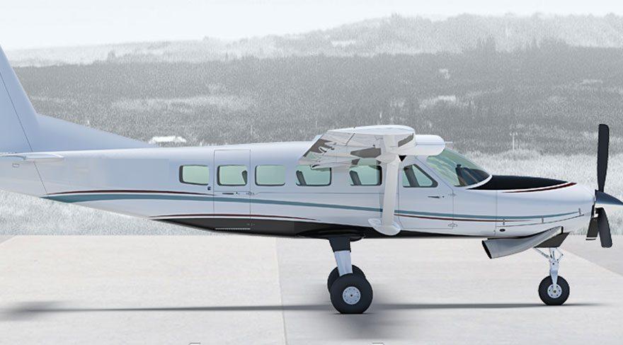 ABD'de inişe geçtiği sırada çakılan ve alevler içinde kalan uçağın pilotu kazadan hafif sıyrıklarla kurtuldu.