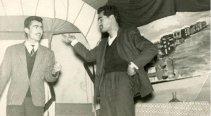 Liseye veda gecesinde Turan Emeksiz tiyatro sahnesinde... Yıl, 1958...