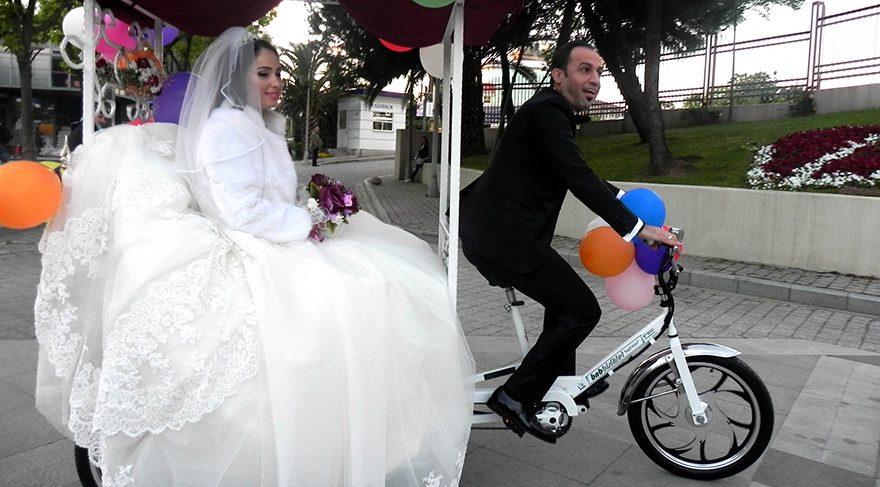 Beyaz bisikletli prensiyle evlendi