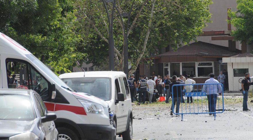 FOTO:DHA - Saldırı sonrası kent genelinde emniyet güçleri teyakkuza geçti.