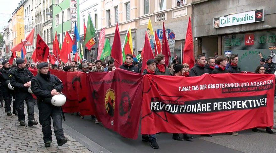 Almanya'nın Köln kentinde düzenlenen 'kapitalizmi protesto' yürüyüşü, terör örgütü PKK yandaşlarının gösterisine dönüştü.