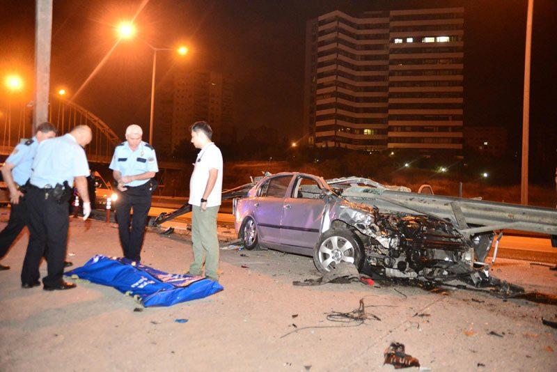 FOTO:DHA -Kaza sonrası araç hurdaya döndü.