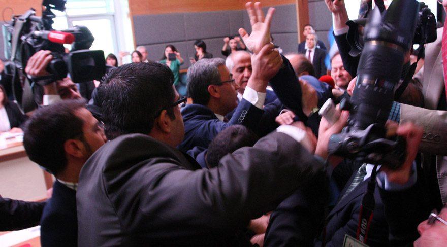 TBMM Anayasa Komisyonu'nda yine kavga çıktı