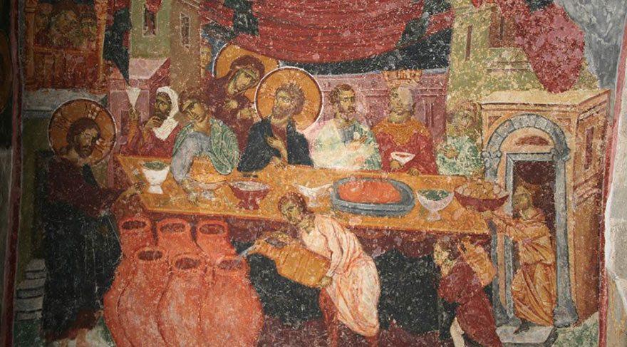 İSA'NIN SON AKŞAM YEMEĞİ KAPATILDI Duvarlardaki İsa'nın Son Akşam Yemeği'ni, Adem ile Havva'nın Yaradılışı'nı anlatan eserlerin üzeri örtülmüş ya da yok edilmiş durumda.