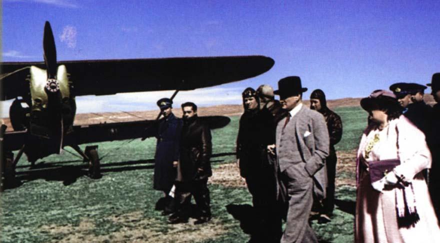 atatürk ve türk hava kurumu ile ilgili görsel sonucu