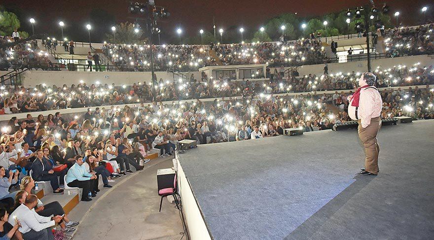 Seyirciden ışık desteği