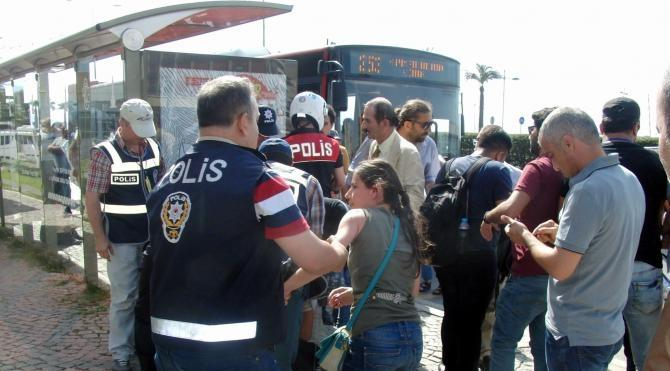 İzmir'de protestoya 6 gözaltı (2)- yeniden