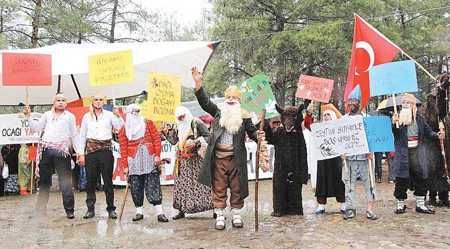 Karnaval gibi protesto