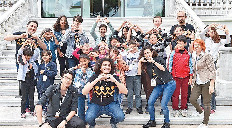 Mülteci çocuklara sanatla terapi