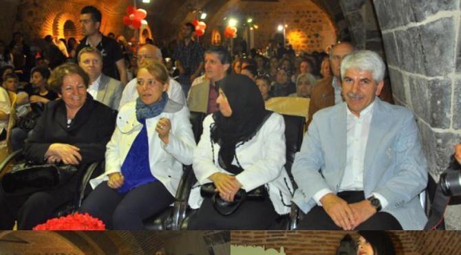 Ak Partili kadınların külliyede dans tepkisine CHP'li belediyeden lı yanıt