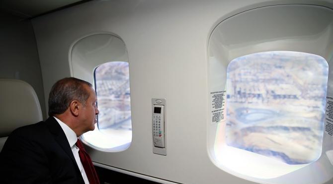 Erdoğan, 3. havalimanı inşaatında inceleme yaptı...