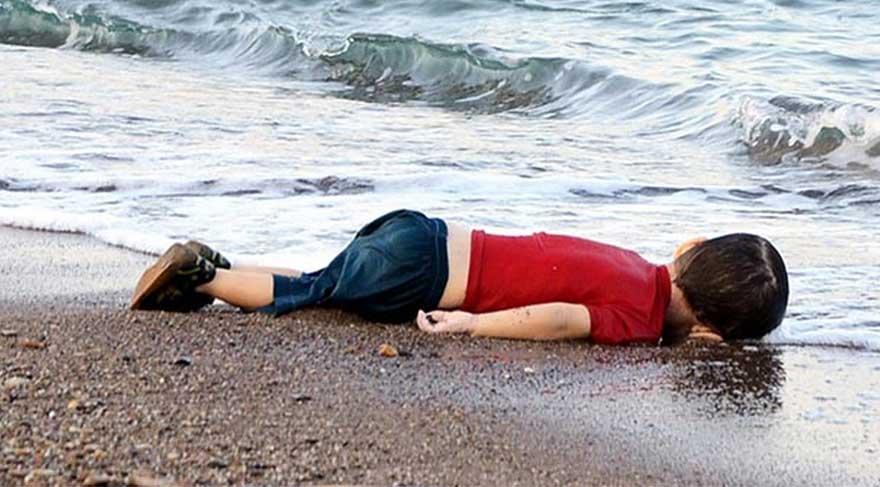 """Yılın Basın Fotoğrafı Ödülü """"Aylan Bebek""""e"""