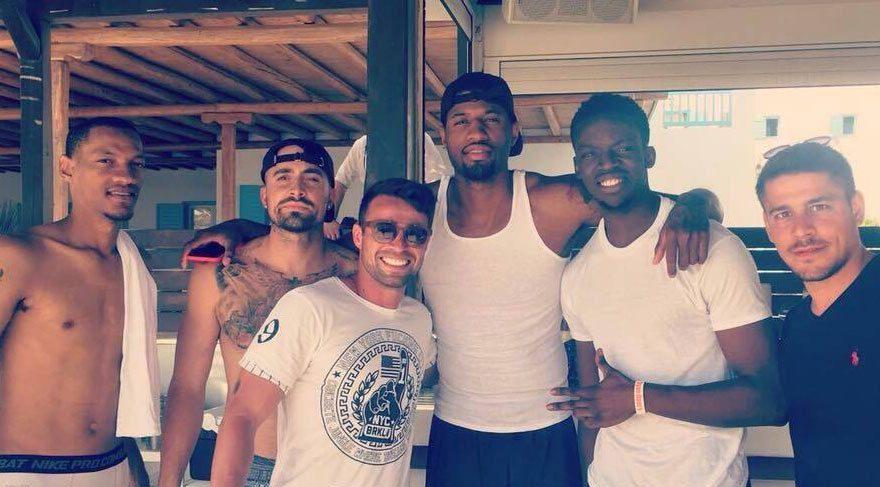 Mykonos'ta David Şaboy çaldı NBA devi dinledi