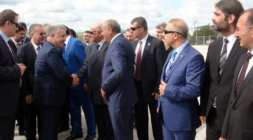 Bakan Arslan memleketi Kars'ta çoşkuyla karşılandı