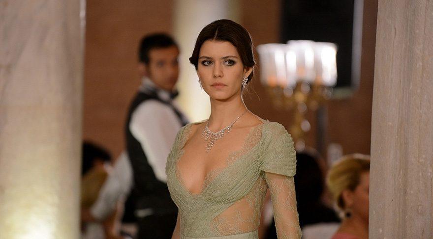 Beren Saat Ortadoğu'nun en beğenilen yıldızı oldu