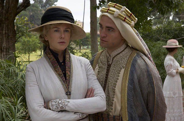 ilk kralları olan Kral Abdullah ile Kral Faysal'ın seçilmesine yardımcı olmuş, iktidar belirlemiş bir kadındır.
