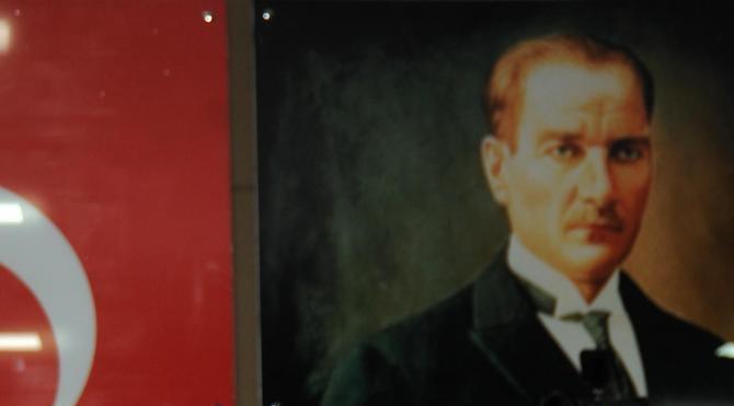 Adana Büyükşehir Belediye Başkanı Sözlü'nün yargılanmasına başlandı