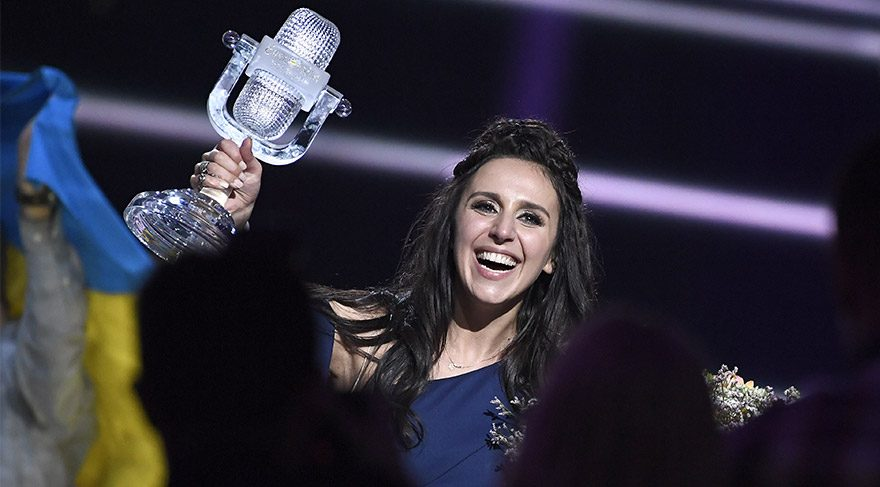 Eurovision Şarkı Yarışması'nın kazanan ismi Jamala (Cemile) oldu