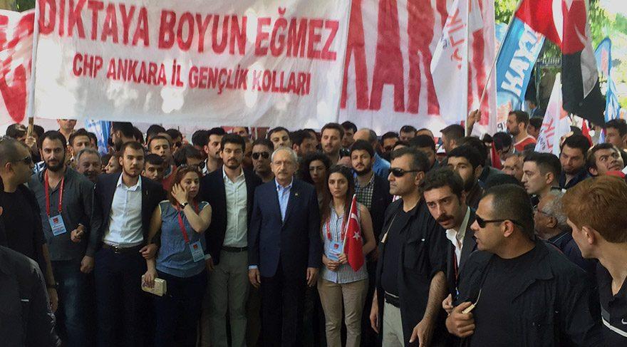 """CHP'nin """"19 Mayıs'ta Atamıza yürüyoruz"""" etkinliği"""
