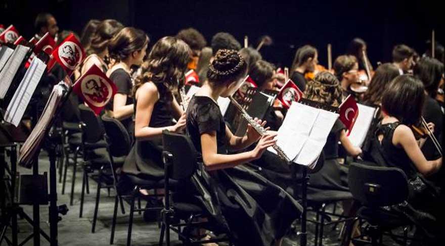 Çocuk ve Gençlik Senfoni Orkestrası ilk konserini verdi