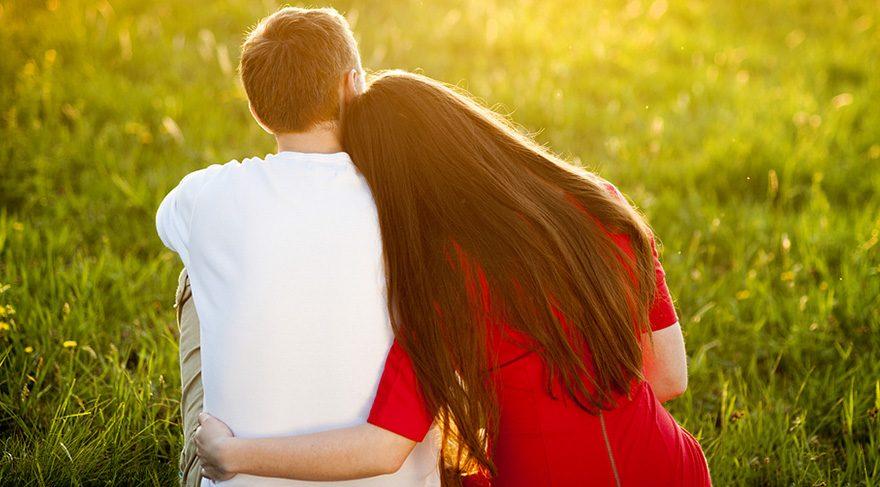 Duyarlı ve nazik davranışlar karşınızdakine önemsendiğini, anlaşıldığını ve sevildiğini hissettiriyor.