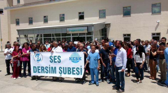 Tunceli Devlet Hastanesi çalışanları çay ve simitle yemek boykotu yaptı