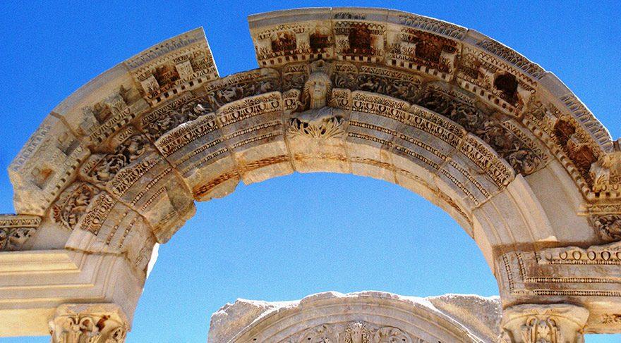 Efes Antik Kenti ve Meryem Ana evine keyifli bir ziyaret