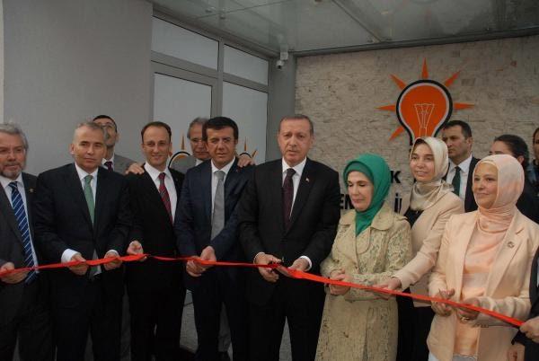 FOTO:DHA - Denizli milletvekili Nihat Zeybekçi, Erdoğan'a en yakın isimlerden birisi olarak biliniyor.