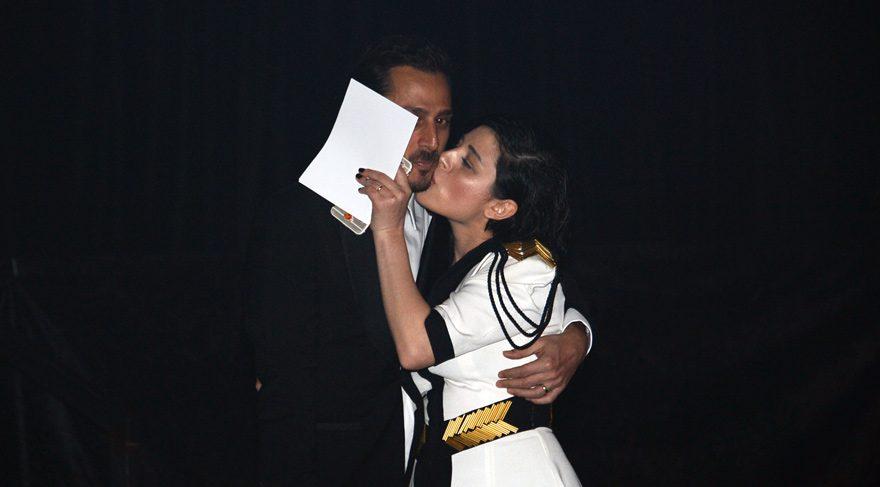 Gonca Vuslateri öpmeye doyamadı