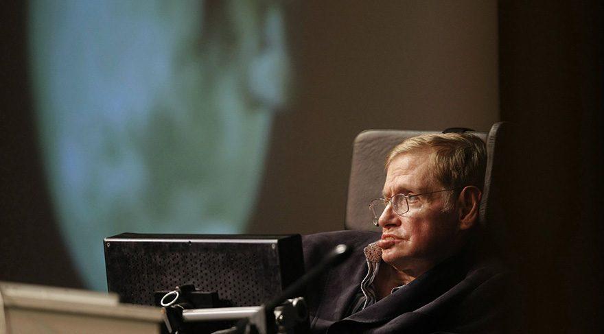 Donald Trump'a yönelik ilgiyi dahi fizikçi Hawking bile anlayamamış