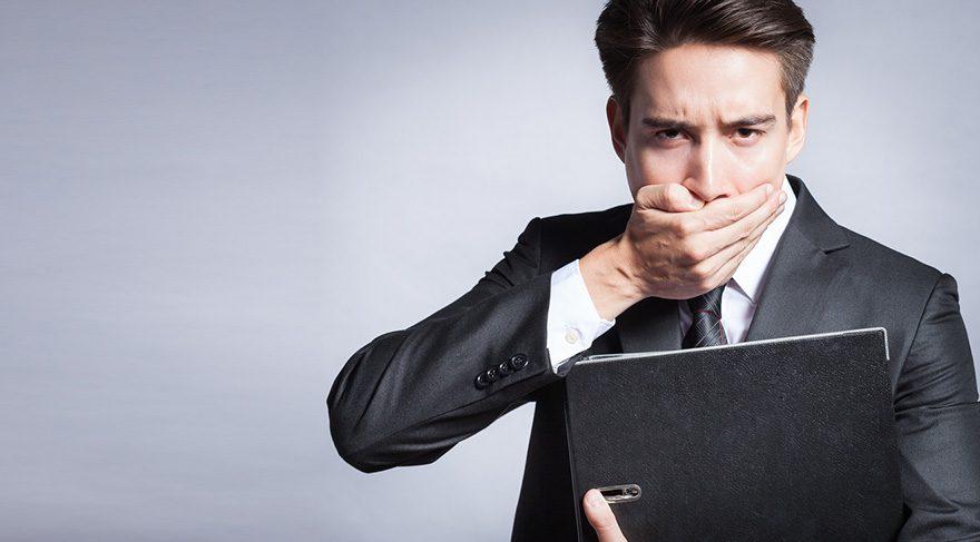 İş ve sosyal yaşamında ciddi stres altında olan insanlarda abrazyon sıklıkla görülmektedir.