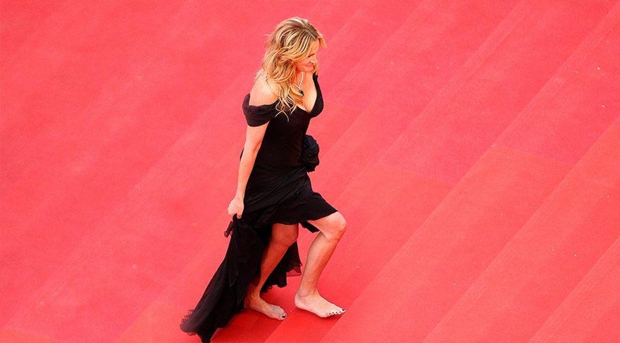 Julia Roberts ayakkabılarını unuttu