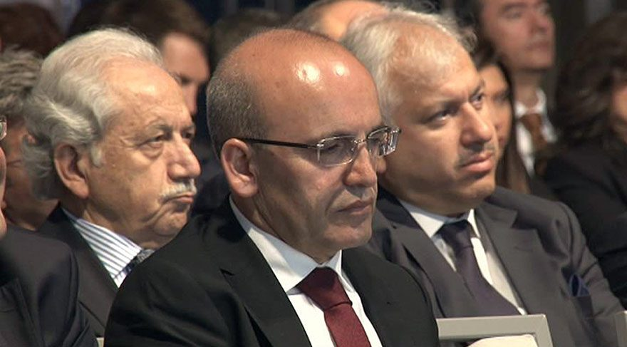 Mehmet Şimşek: Lira yüzde 40'a yakın değer kaybetti
