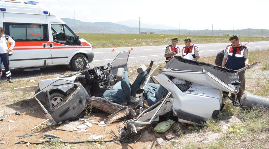 Katliam gibi kaza: 3 ölü, 3 yaralı