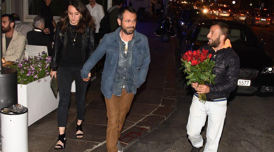 Olgun Şimşek çiçek satıcılarına kızınca ilginç bir tepkiyle karşılaştı