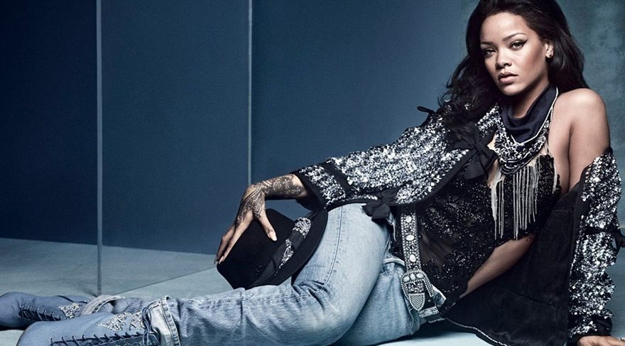 Rihanna ayakkabı koleksiyonunu tanıttı